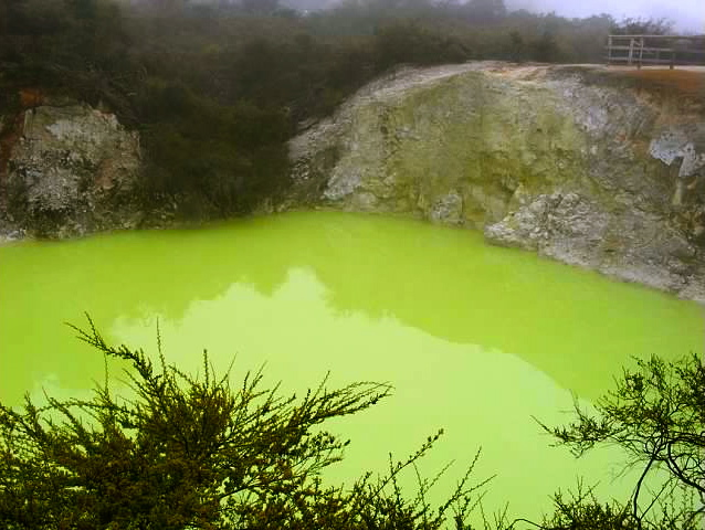 Devil's Bath Wai-O-Tapu