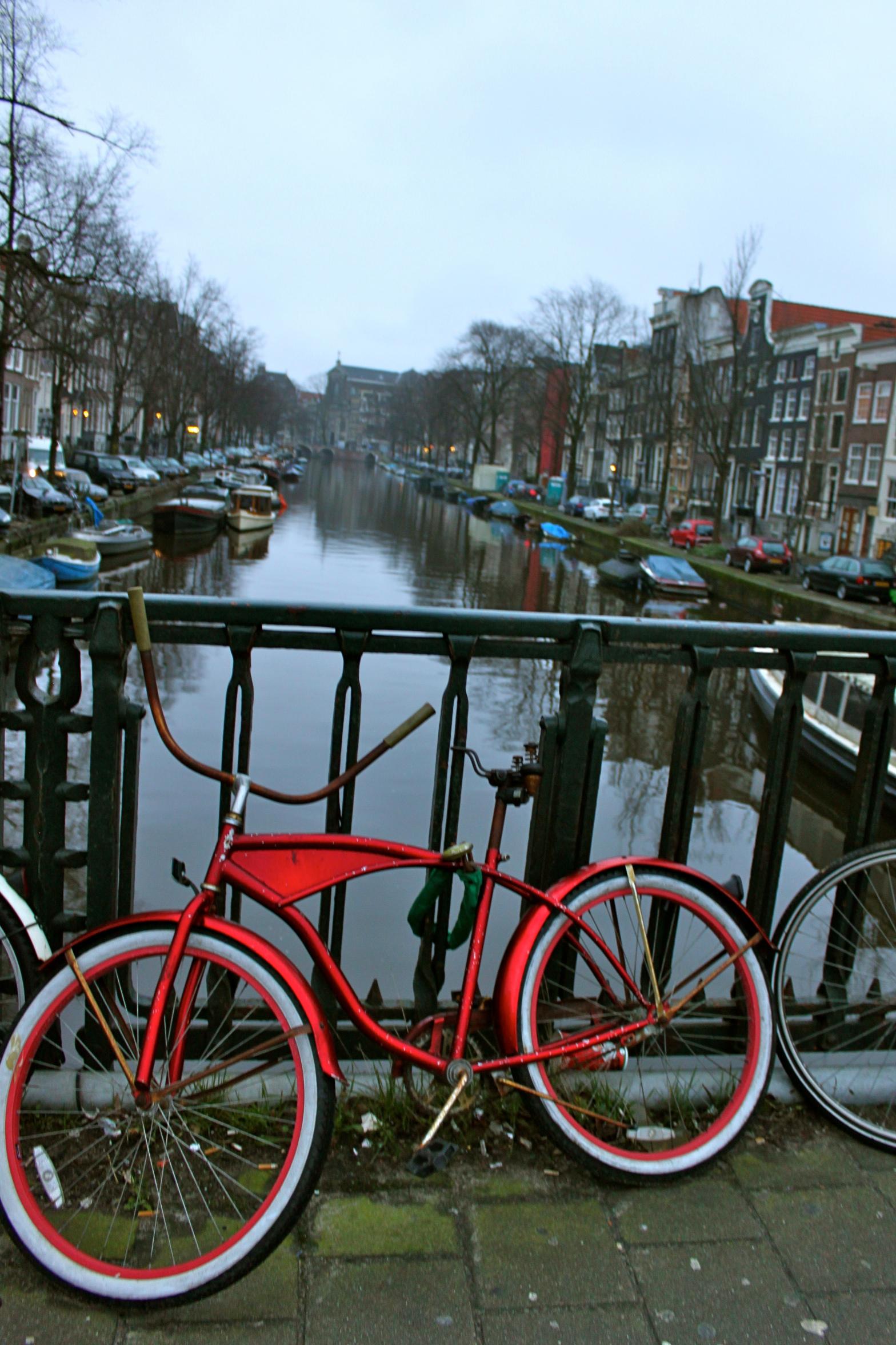 amsterdam canal netherlands bike